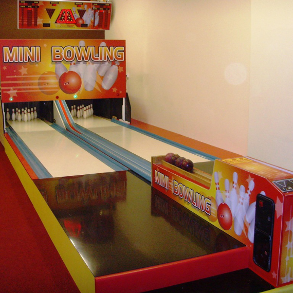 2018-07/mini-bowling-alley-installation-01