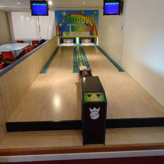 2018-07/mini-bowling-alley-installation-5