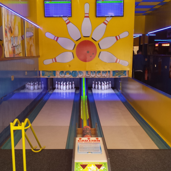 2018-07/mini-bowling-alley-installation-7